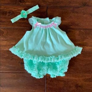 Mint 2 piece set with coordinating bow